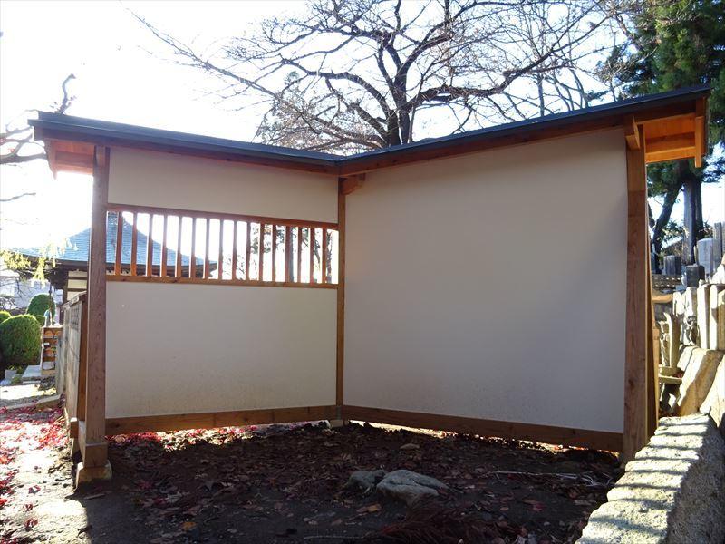 お寺の塀の建て替え工事 完成しました!_f0105112_04284367.jpg
