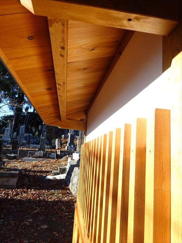 お寺の塀の建て替え工事 完成しました!_f0105112_04334934.jpg