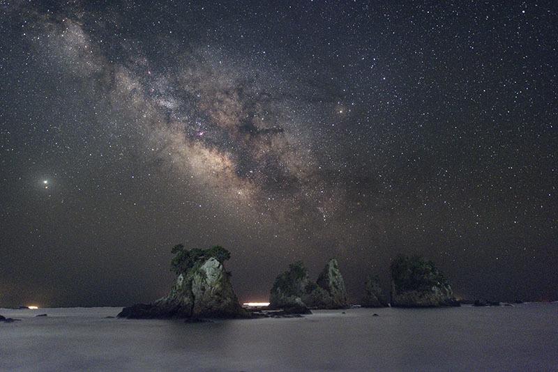 天の川と奇岩_b0287335_21265379.jpg