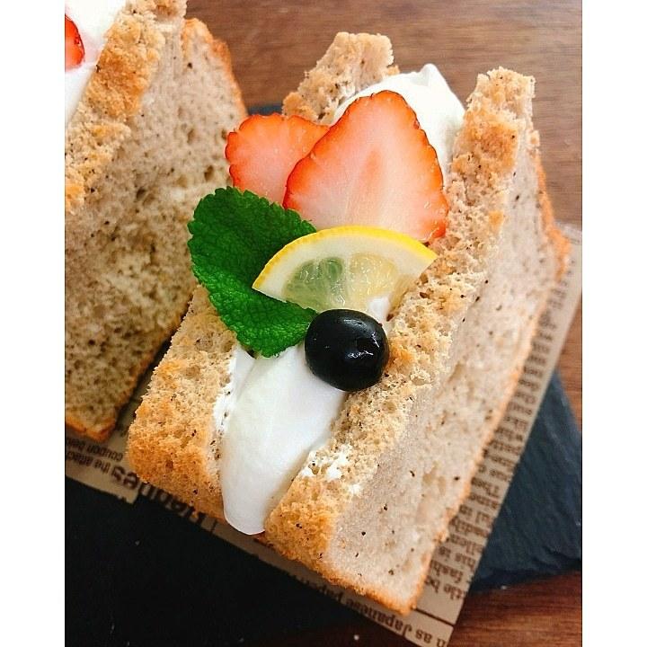 春を感じるパン販売、モリモトシンミセさん。_c0199544_10374253.jpg