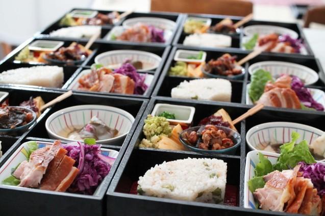 弥生の松花堂お弁当作りました!_d0377645_00185861.jpg