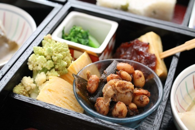 弥生の松花堂お弁当作りました!_d0377645_00191140.jpg