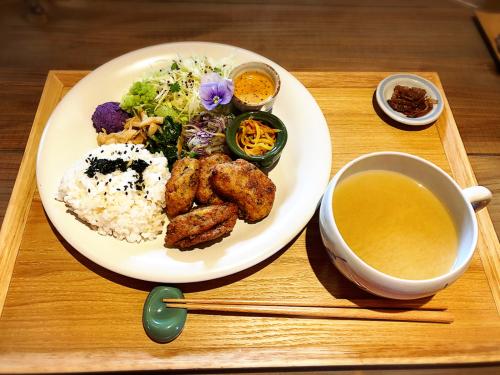 栄養ごはん ヤシの木食堂_e0292546_02331707.jpg