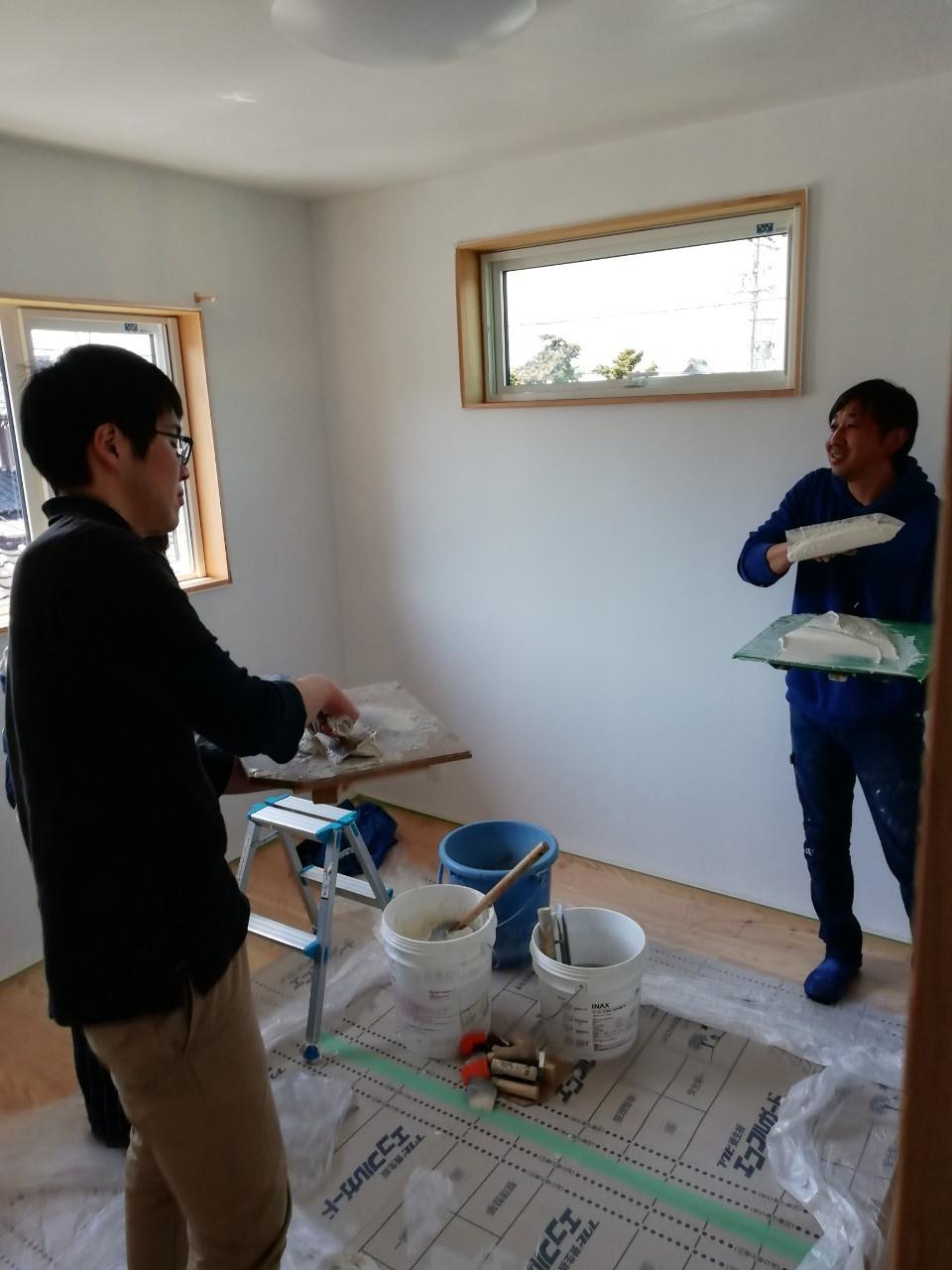DIYで漆喰塗り♪_b0129758_10200475.jpg