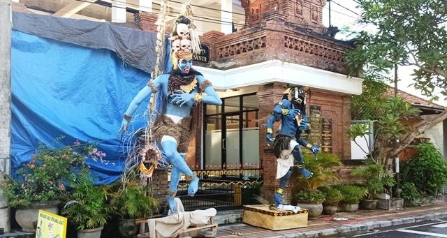 今年のオゴオゴ人形は街を練り歩きません。_d0083068_09520490.jpg