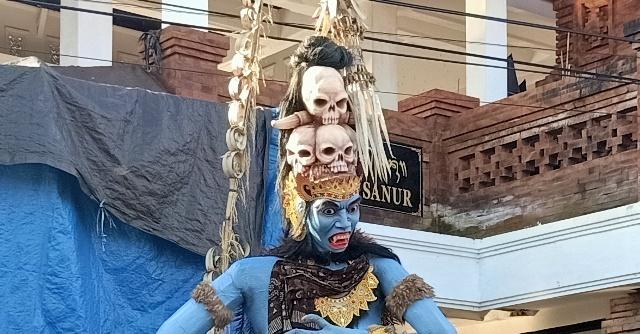 今年のオゴオゴ人形は街を練り歩きません。_d0083068_09540114.jpg