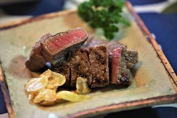 外食気分de素敵なステーキと山菜料理!_d0367191_11193998.jpg