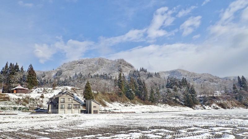 彼岸のノリ雪か! 久し振りに白くなりました_c0336902_19535285.jpg