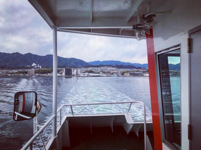 宮島フェリー(宮島口→宮島) / iPhone 8_c0334533_09463000.jpg