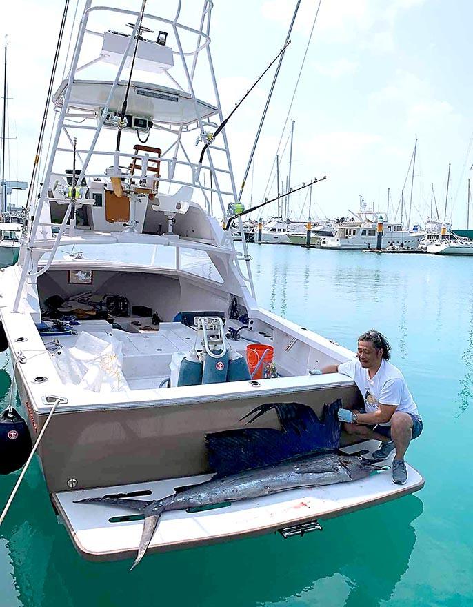 沖縄ではカジキ釣れています_f0009039_18371873.jpg