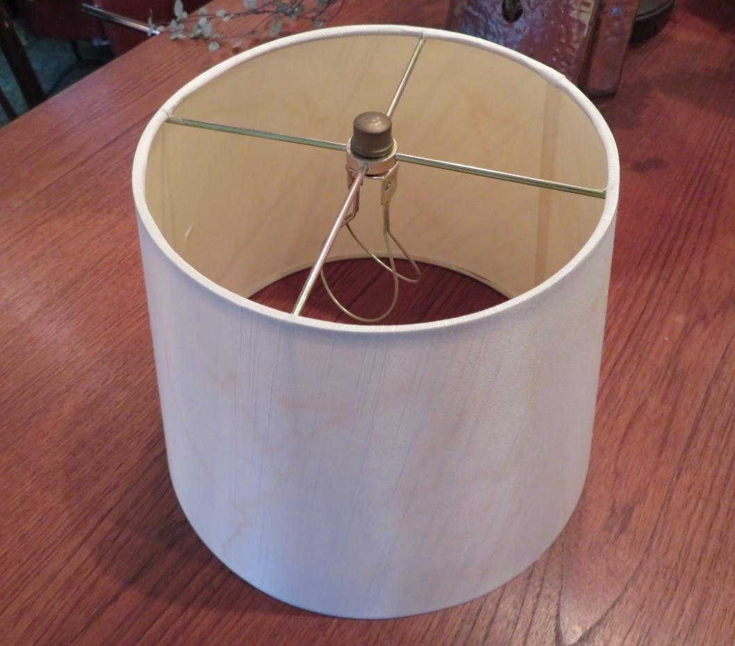ランプシェードの張り替え ウィリアムモリス正規販売店のブライト_c0157866_19193790.jpg
