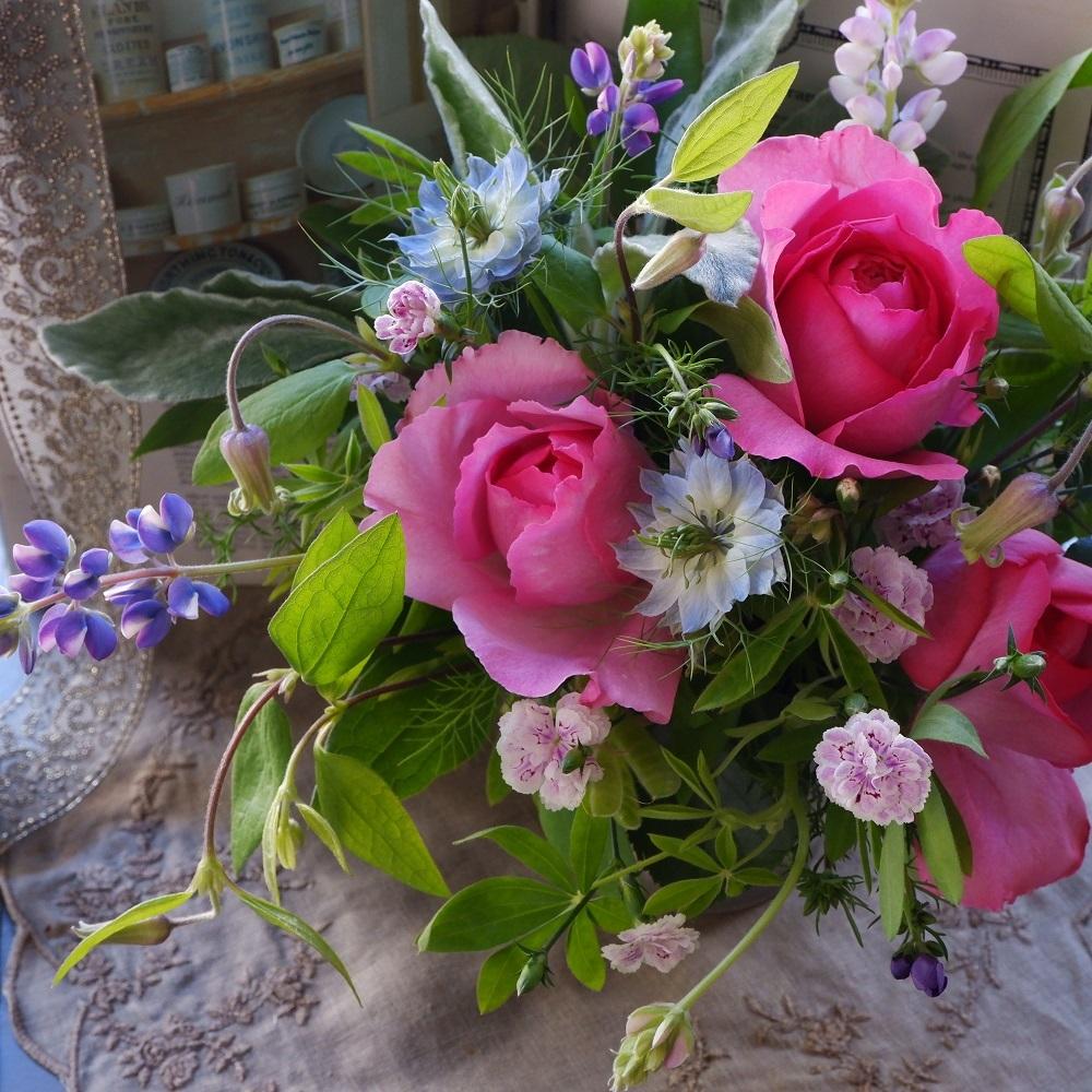 オークリーフ(イヴピアッチェと青い草花)_f0049672_12592181.jpg