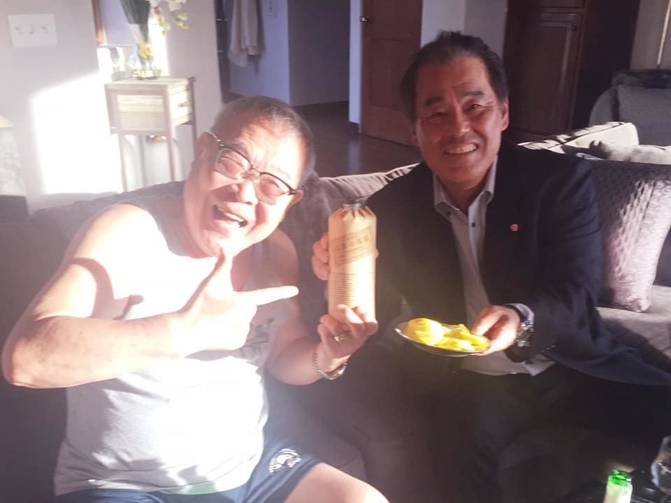 急遽、大野さんと車をとばして吉田会長のサンディエゴのご自宅へ。_c0186691_10203879.jpg
