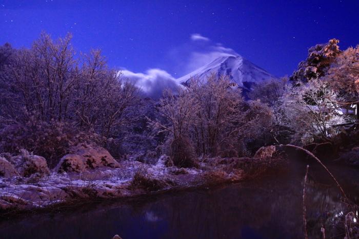 令和2年3月の富士 (17) 雪の忍野村の富士_e0344396_17102948.jpg