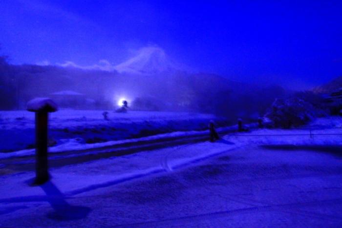 令和2年3月の富士 (17) 雪の忍野村の富士_e0344396_17103077.jpg