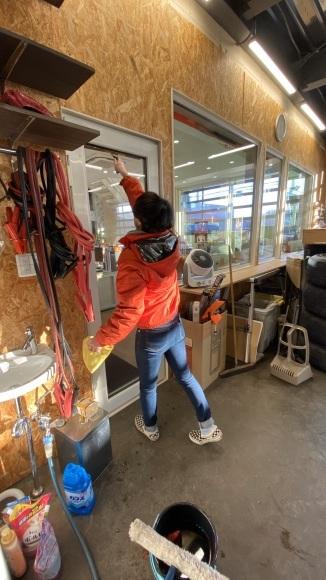 3月25日(水) 本店ブログ♪ H27年 メルセデスベンツSL350 見に来てください✊ オープンカーならTOMMYモータース_b0127002_19294151.jpg