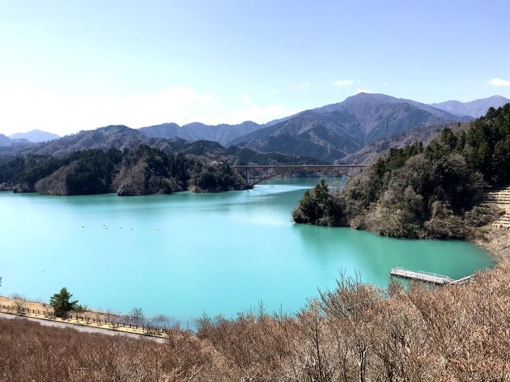 宮ヶ瀬ブルーと草抜きと山ごはん_c0212604_13544821.jpg