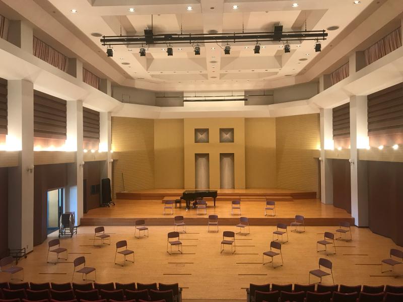 校舎に響く楽器の音…_d0016622_18282381.jpg