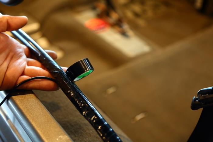 ライトカーキTJ 内装清掃作業大詰めです_f0105425_18235737.jpg