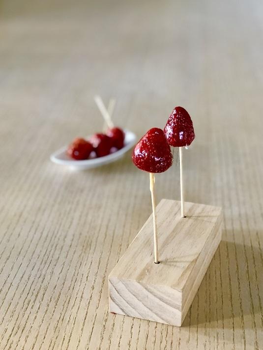 韓国や新大久保で大人気のイチゴ飴♪_b0060363_18472438.jpeg