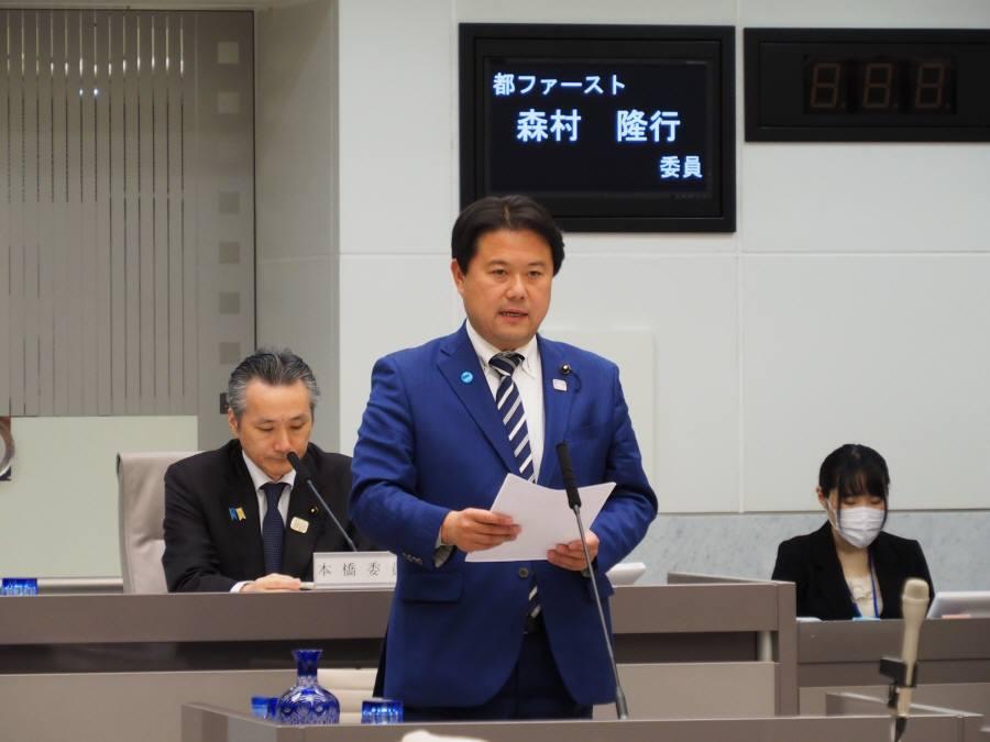 予算特別委員会討論、採決_f0059673_22402329.jpg