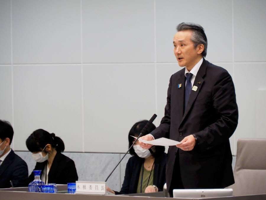 予算特別委員会討論、採決_f0059673_22413297.jpg