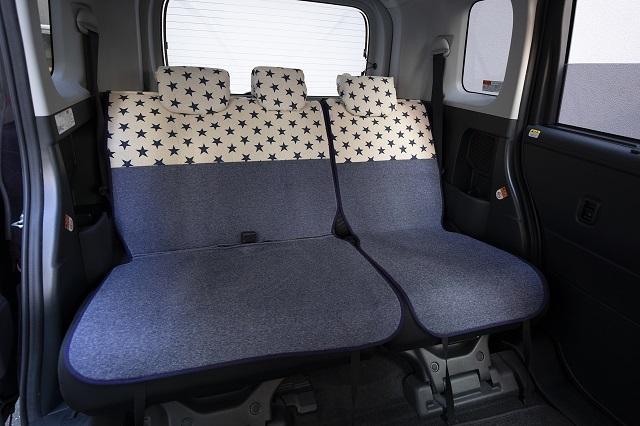 【トヨタ ルーミー】にシートカバーを装着しました(タンク・トール・ジャスティ)_d0342477_15300305.jpg