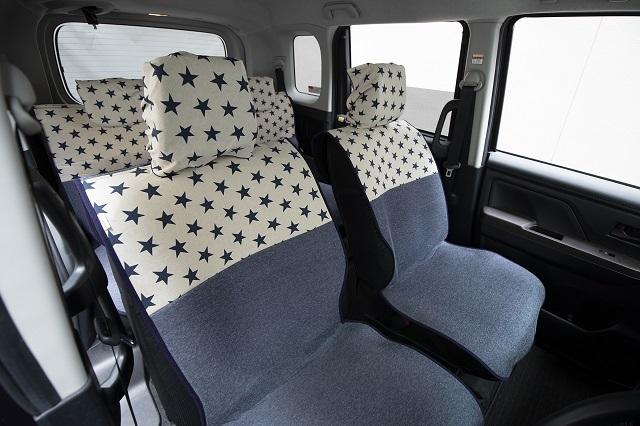【トヨタ ルーミー】にシートカバーを装着しました(タンク・トール・ジャスティ)_d0342477_15300345.jpg
