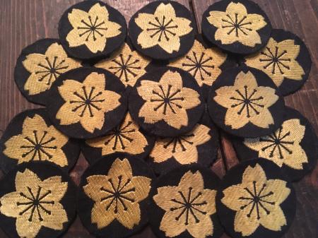 海軍下士官兵用普通科特技章・昭和17年改正(貸与品 黒布台地に黄色織出刺繍製 未使用品 合計18枚)が入荷致しました。_a0154482_10543050.jpg