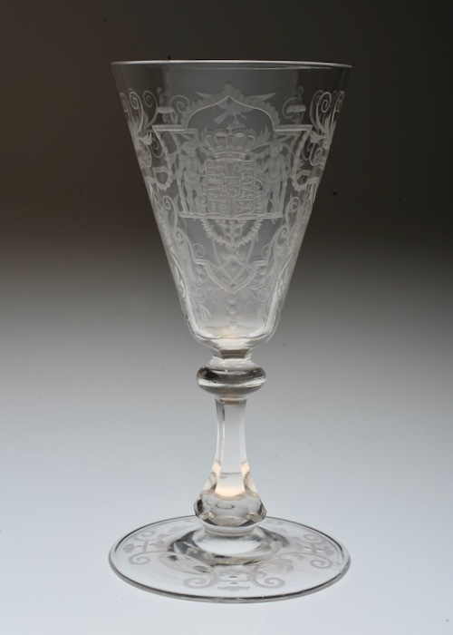 Lobmeyr No:54 Danmark Coat of arms glass_c0108595_23372105.jpeg