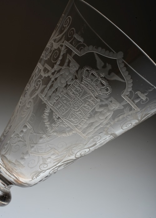 Lobmeyr No:54 Danmark Coat of arms glass_c0108595_23402236.jpeg