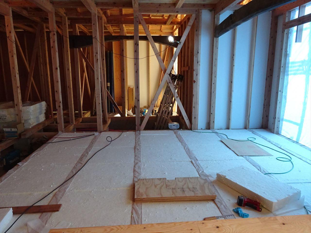 下太田 古材新築の家 建て方作業進行中です。_f0105112_04150605.jpg