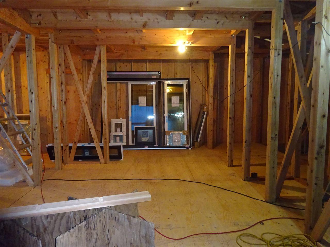 下太田 古材新築の家 建て方作業進行中です。_f0105112_04150698.jpg