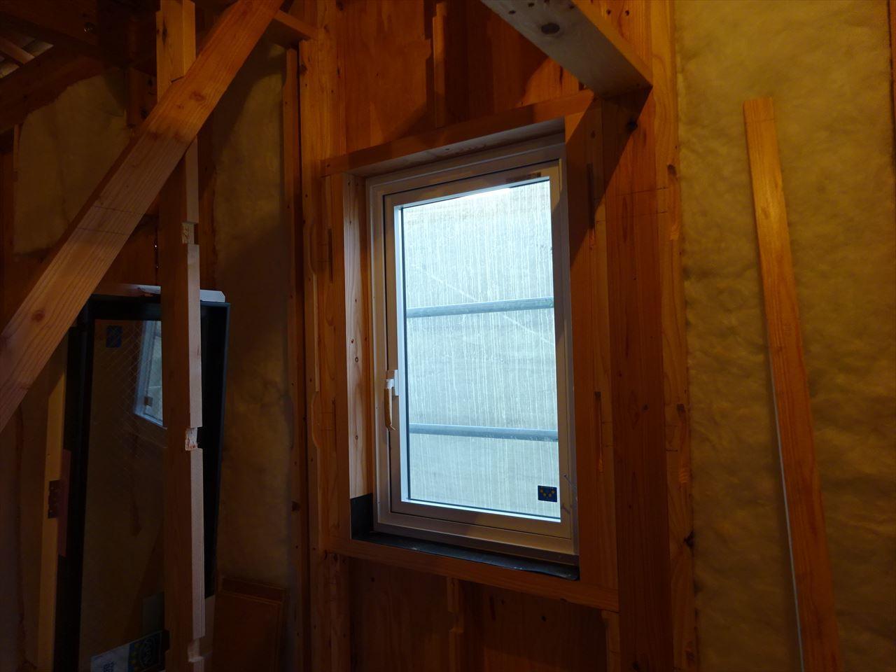 下太田 古材新築の家 建て方作業進行中です。_f0105112_04213450.jpg