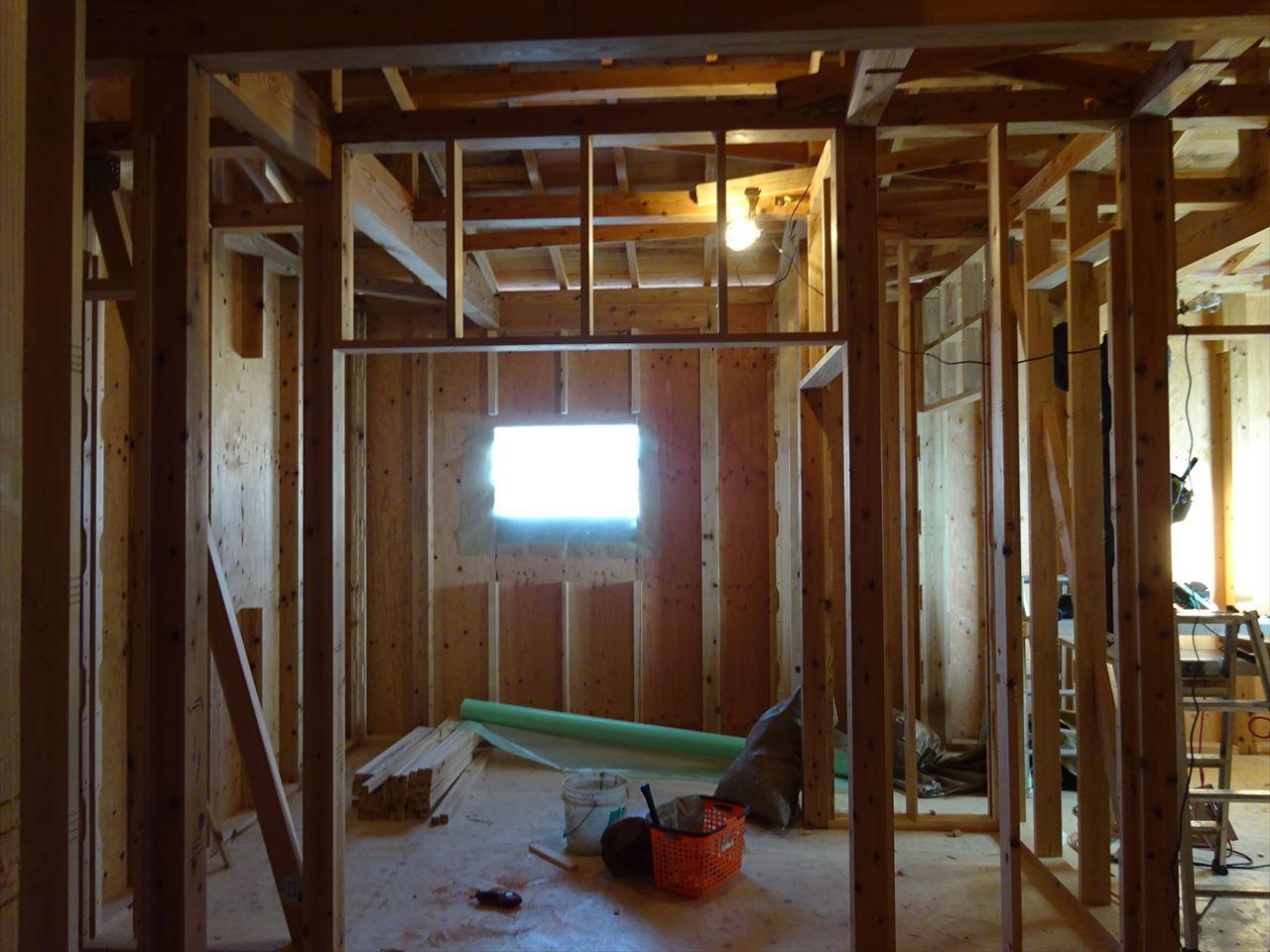 下太田 古材新築の家 建て方作業進行中です。_f0105112_04213586.jpg