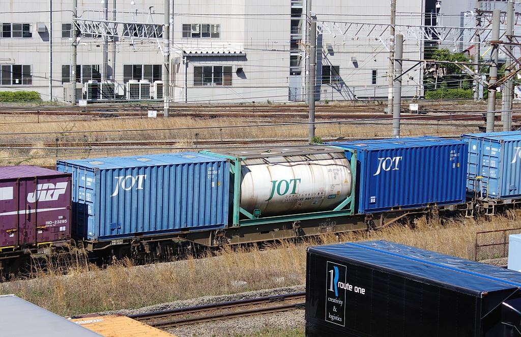 3/20東京貨物ターミナル発4095レのコキとコンテナ_f0203926_22021943.jpg