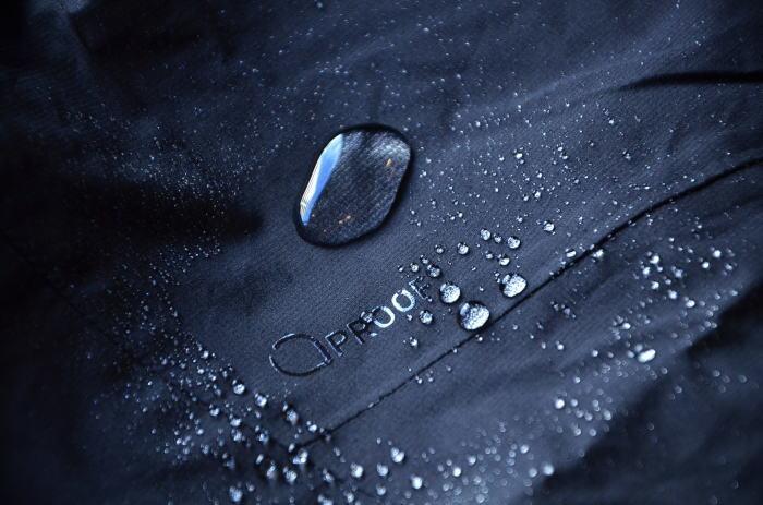 雨を楽しむウェア選び!_c0167336_21414354.jpg