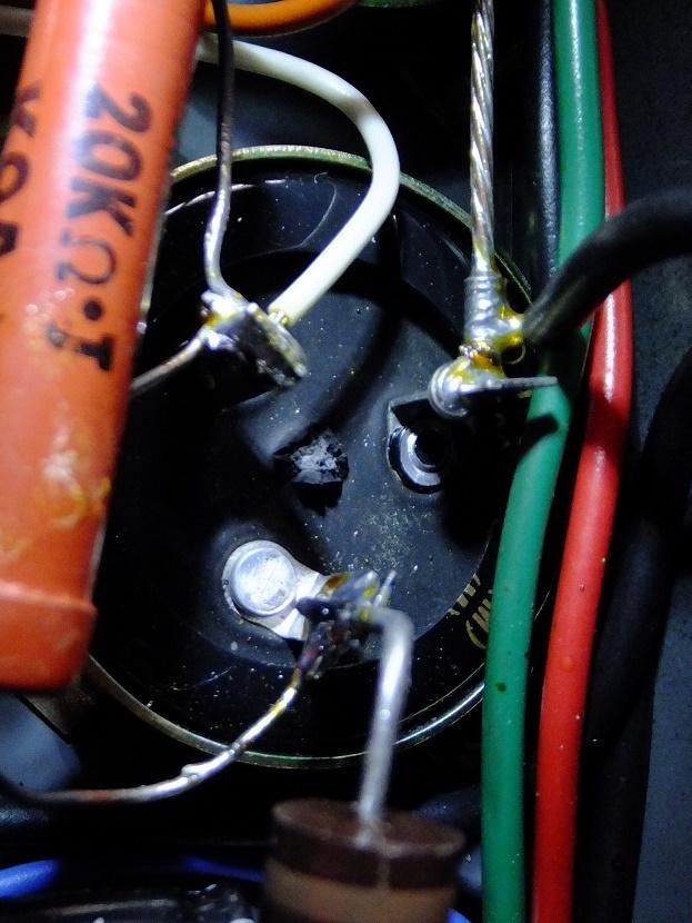 電解コンデンサ_e0193247_18470215.jpg
