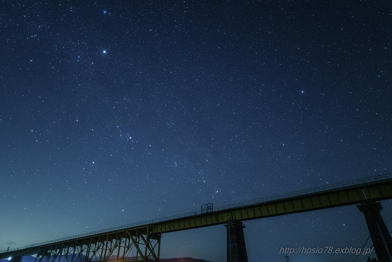 鉄橋を渡る冬の大三角_e0214470_13333554.jpg