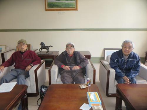 山岸先輩、小島先輩、加藤先輩が展示室を整備で来館_c0075701_21434438.jpg
