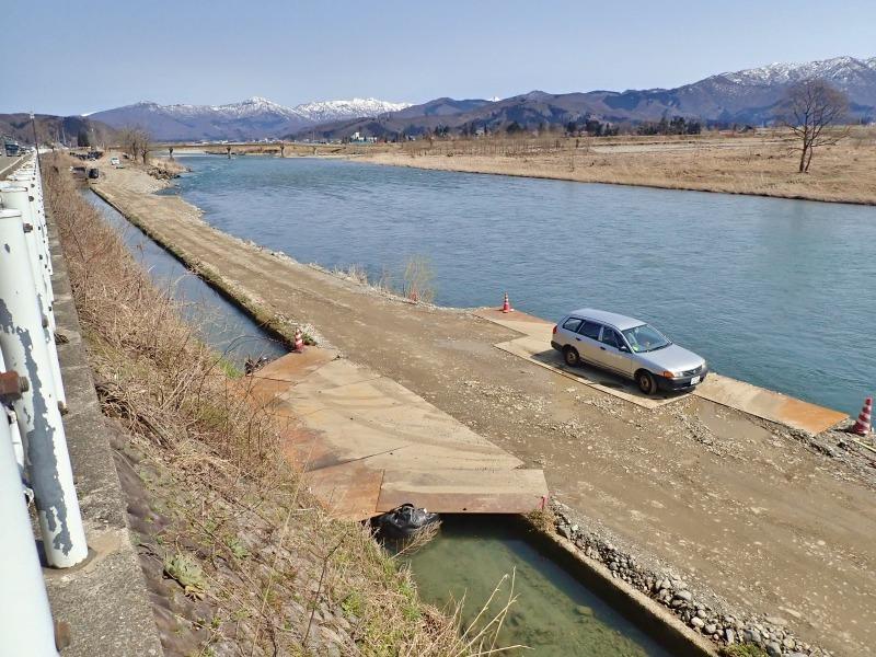 堰の災害復旧工事が行われています_c0336902_21203860.jpg