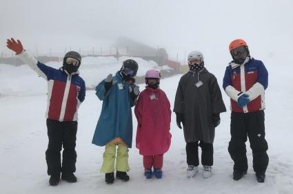 雨だけど雪は滑る_a0150315_21023309.jpeg