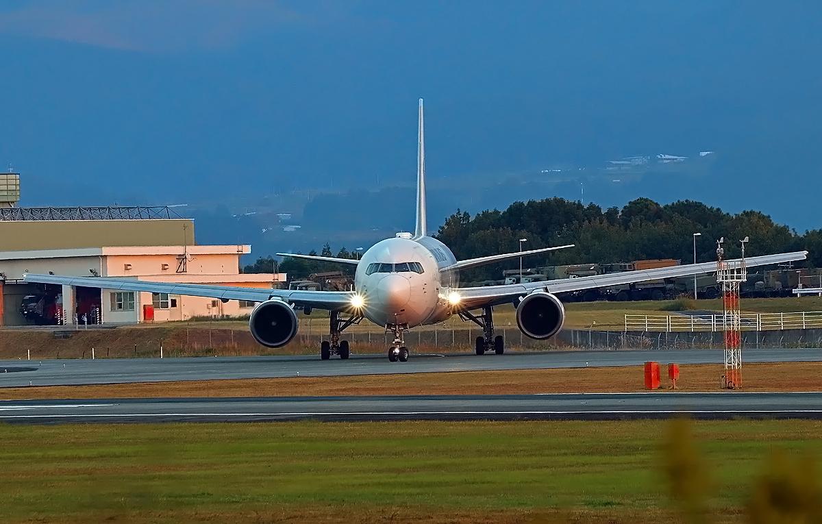 JAL Boing767 。_b0044115_03050145.jpg