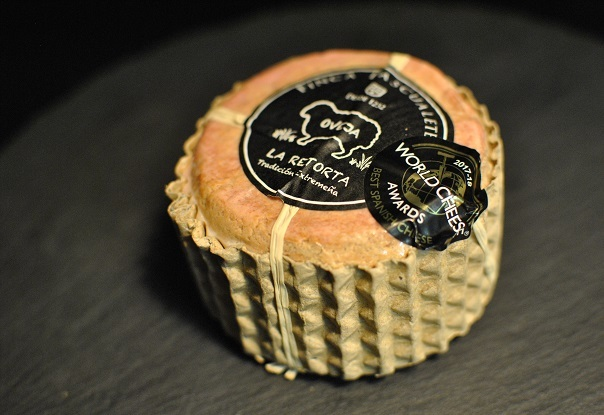 スペイン土産にチーズ_b0129725_17501582.jpg
