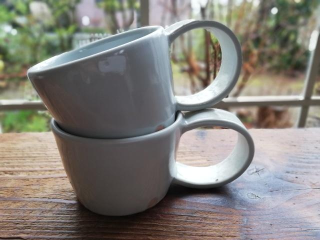 白いマグカップ/壺田亜矢さん_b0207631_17102914.jpg