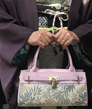 ご来店のお客様・岡山工芸の素敵な桜の羽織。_f0181251_18390383.jpg
