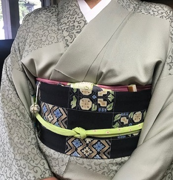 ご来店のお客様・岡山工芸の素敵な桜の羽織。_f0181251_18482341.jpg