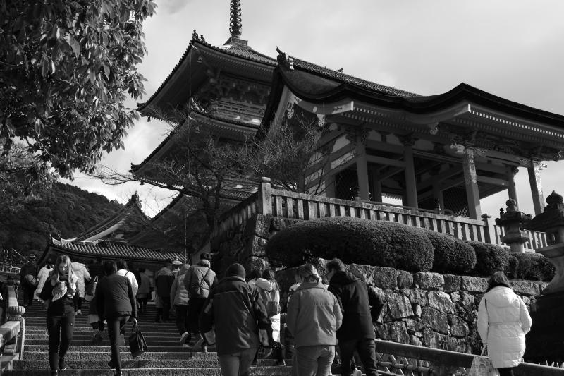 賑わっていた清水寺は..._d0349265_16025840.jpg