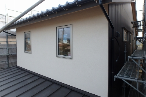 新潟市江南区 外壁 ガルバリウム鋼板 ジョリパット_c0091593_15211403.jpg