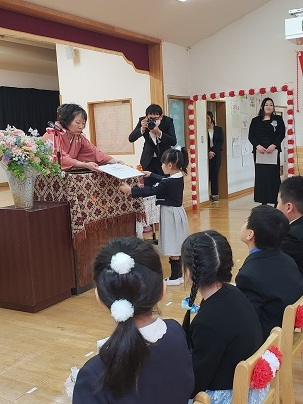 かわうち保育園卒園式_d0003224_15253761.jpg